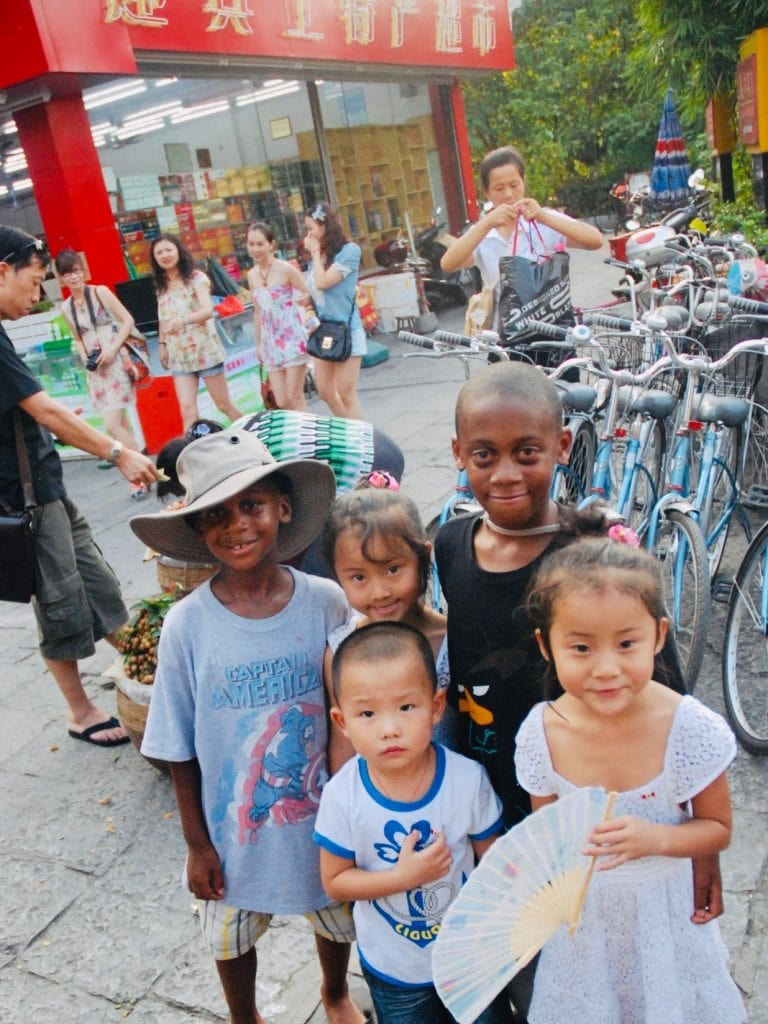 Canada for Kids: Meeting locals in China