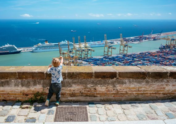A Barcelona Adventure: Montjuïc Castle, Cable Car and Seafood