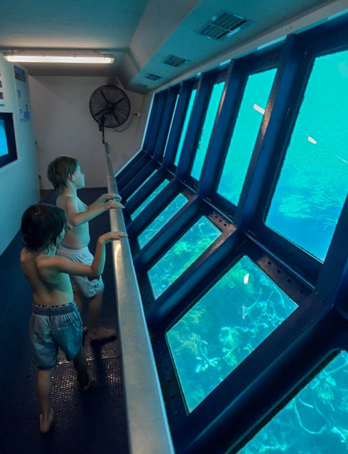 Australia for Kids: Underwater Viewing Deck